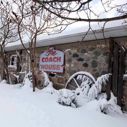 5-Inn and Coach House